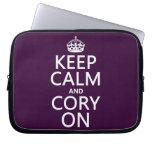 Guarde la calma y Cory en (cualquier color de fond Funda Ordendadores