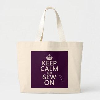 Guarde la calma y cosa en (en todos los colores) bolsa tela grande