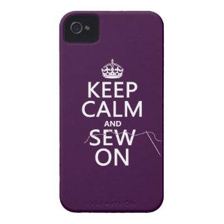 Guarde la calma y cosa en (en todos los colores) iPhone 4 Case-Mate protector