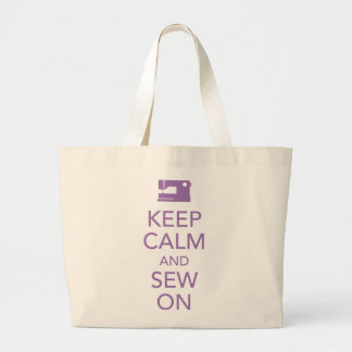 Guarde la calma y cosa en la bolsa de asas púrpura