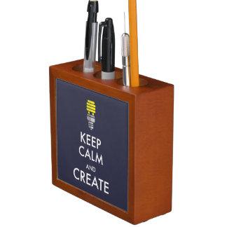 Guarde la calma y créela organizador de escritorio