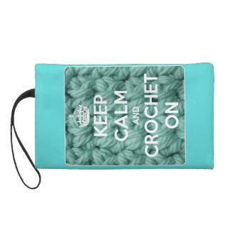 Guarde la calma y Crochet en azul brillante