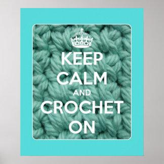 Guarde la calma y Crochet en azul Póster