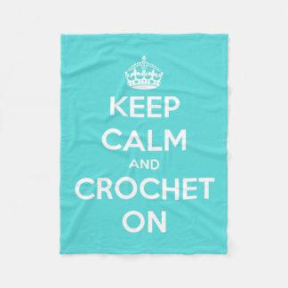 Guarde la calma y Crochet en azul y blanco Manta De Forro Polar