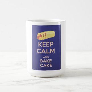 Guarde la calma y cueza el poster del vintage de taza