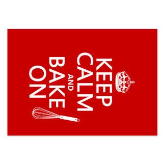 Guarde la calma y cueza en (cocinando) (el color d tarjeta de visita