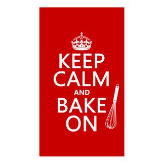 Guarde la calma y cueza en (cocinando) (el color d tarjeta de negocio