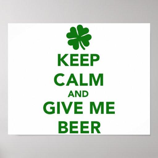 Guarde la calma y déme el día del St. Patricks de  Impresiones