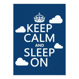 Guarde la calma y duerma en (el color del anuncios