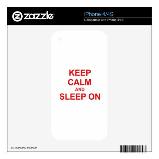 Guarde la calma y duerma en rosa del rojo anaranja skin para el iPhone 4
