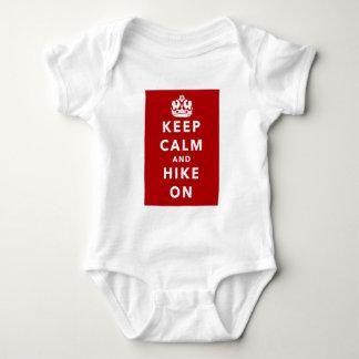 Guarde la calma y el alza encendido body para bebé