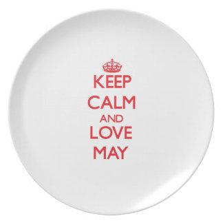 Guarde la calma y el amor mayo platos