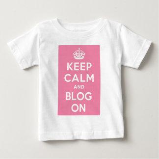 Guarde la calma y el blog encendido tshirt