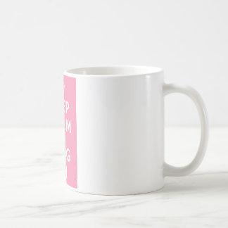 Guarde la calma y el blog encendido taza básica blanca