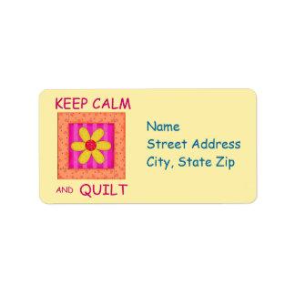 Guarde la calma y el bloque de la flor del etiqueta de dirección