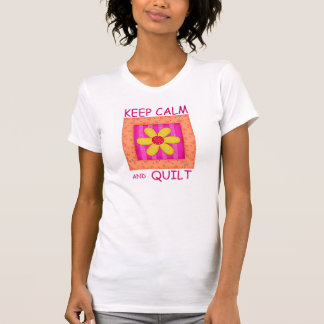 Guarde la calma y el bloque de la flor del camisetas