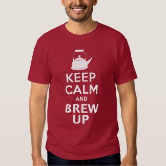 Guarde la calma y el Brew encima del humor Polera