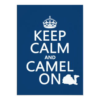 """Guarde la calma y el camello en (todos los invitación 5.5"""" x 7.5"""""""
