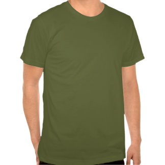 Guarde la calma y el campo encendido camisetas