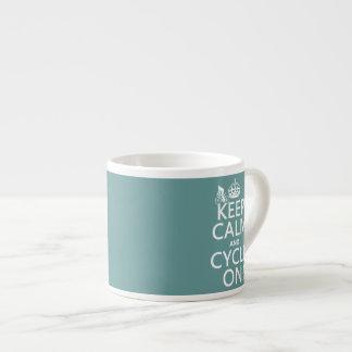 Guarde la calma y el ciclo en (en cualquier color) tazas espresso