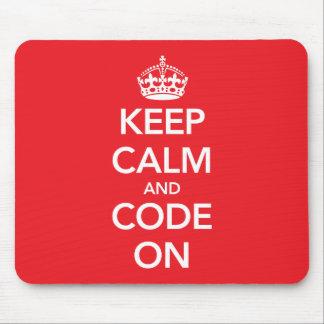 Guarde la calma y el código en mousepad