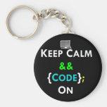 Guarde la calma y el código encendido llavero