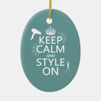 Guarde la calma y el estilo en (cualquier color de adornos de navidad