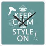 Guarde la calma y el estilo en (cualquier color de relojes de pared