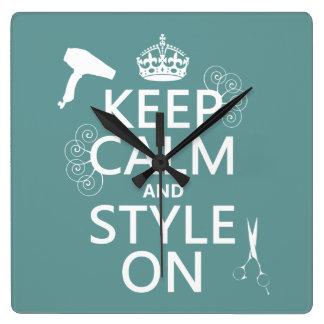 Guarde la calma y el estilo en (cualquier color de reloj cuadrado