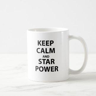 Guarde la calma y el estrellato tazas de café