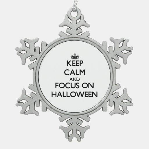Guarde la calma y el foco el Halloween Adorno