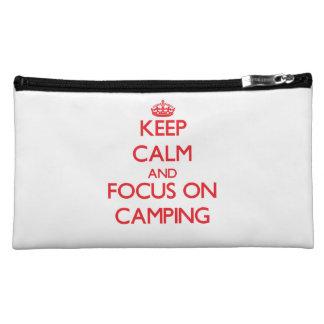 Guarde la calma y el foco en acampar
