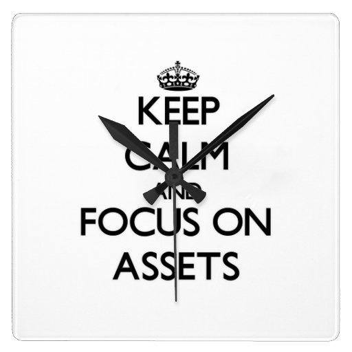 Guarde la calma y el foco en activos relojes de pared