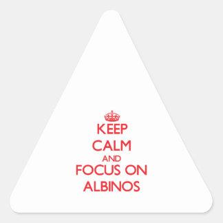Guarde la calma y el foco en ALBINOS Calcomanía De Triangulo Personalizadas