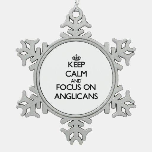 Guarde la calma y el foco en anglicanos adorno