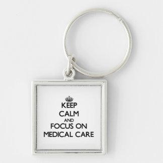 Guarde la calma y el foco en asistencia médica llavero personalizado