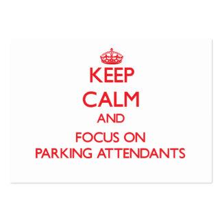 Guarde la calma y el foco en asistentes de estacio plantillas de tarjeta de negocio