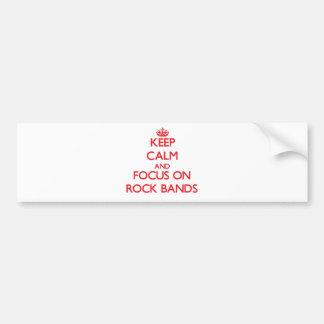 Guarde la calma y el foco en bandas de rock pegatina de parachoque