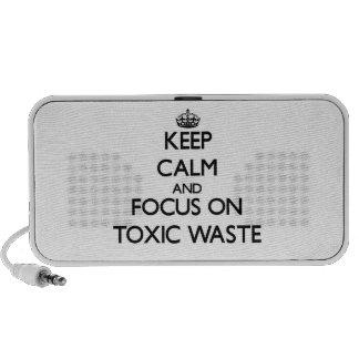 Guarde la calma y el foco en basura tóxica portátil altavoz