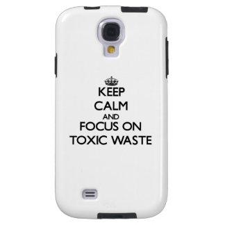 Guarde la calma y el foco en basura tóxica