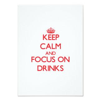 Guarde la calma y el foco en bebidas anuncios personalizados