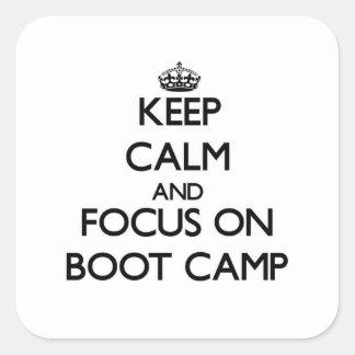 Guarde la calma y el foco en Boot Camp Pegatina Cuadrada
