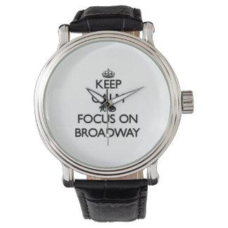 Guarde la calma y el foco en Broadway Relojes De Pulsera