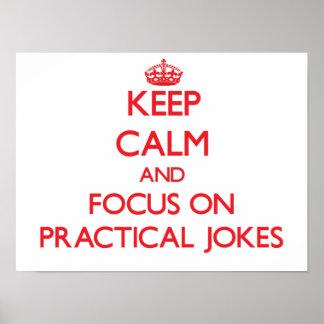 Guarde la calma y el foco en bromas poster