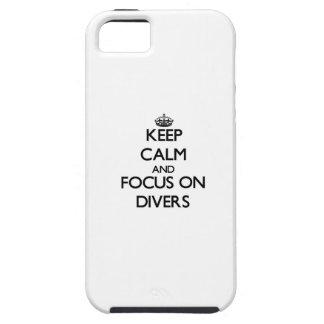 Guarde la calma y el foco en buceadores iPhone 5 Case-Mate protectores
