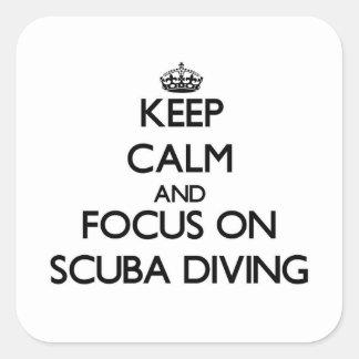 Guarde la calma y el foco en buceo con escafandra calcomanía cuadradas personalizada