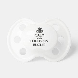 Guarde la calma y el foco en bugles chupetes para bebes
