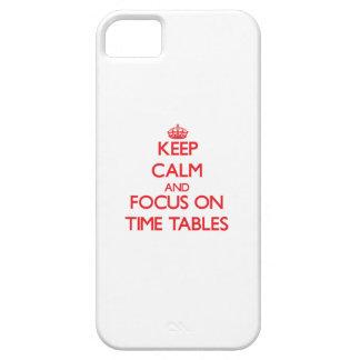 Guarde la calma y el foco en calendarios iPhone 5 carcasas