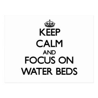 Guarde la calma y el foco en camas de agua postal