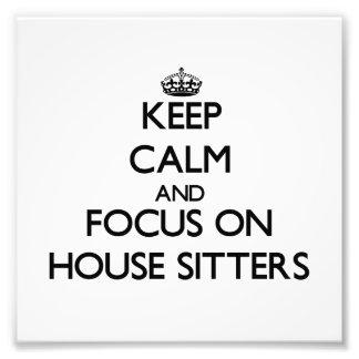 Guarde la calma y el foco en canguros de casa cojinete